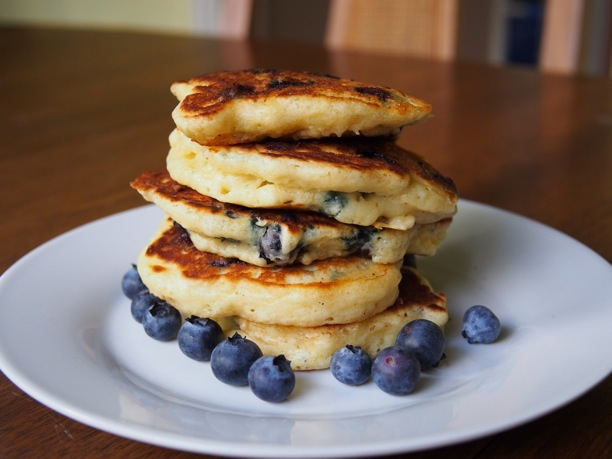 Recipe: Easy Fluffy Blueberry Pancakes